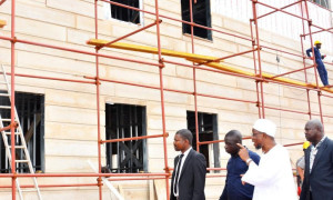 3 Aregbesola-inspects-ongoing-projects-Osogbo-High-School-under-construction