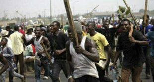 rioting-youths