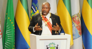 Gabon President elected Ali Bongo Ondimba addresses his guests during the swearing in ceremony in Libreville on September 27, 2016. Ali Bongo was sworn in for second term as Gabon president, calling for unity after a disputed election win that sparked deadly unrest and revealed deep divisions in the oil-rich country.  / AFP PHOTO / STEVE JORDAN