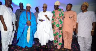From left, Chairman Osun NUJ, Comrade Abiodun Olalere; the  Ajero of Ijero, Oba Adewole Adebayo; Governor Rauf Aregbesola of Osun;  Vice President B Zone of the Nigerian Union of Journalist, Comrade Cosmos Oni; Vice President NUJ South East C Zone, Mr Clris Isiguzo and Chief of Staff to the Governor, Alhaji Gboyega Oyetola, during the presentation of Golden Merit Award to Governor Aregbesola for unprecedented Infrastructural Development, at the atlantis Civic Centre, Osogbo on Thursday 19-04-2018