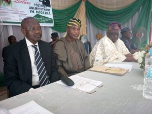 The Secretary to the Government of the State of Osun, Alhaji Moshood Olalekan Adeoti as Chairman of the 2018 edition of the Osun NUJ Public Lecture, the Ogiyan of Ejigbo, Oba Oyeyode Oyesosin and the Guest Lecturer, Dr Tope Olatoye represented by Dr Tunde Amuzat at the high table.